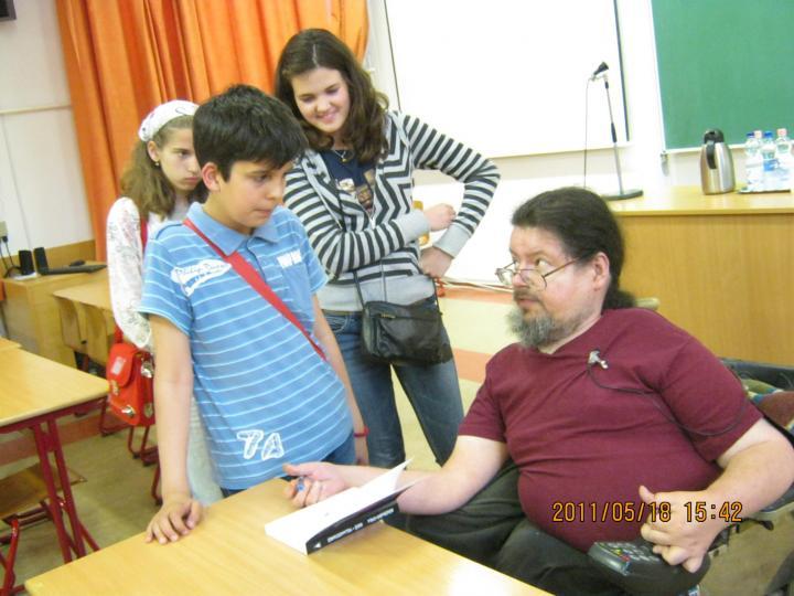 Zentai diákok találkozása Szegeden Böszörményi Gyula íróval