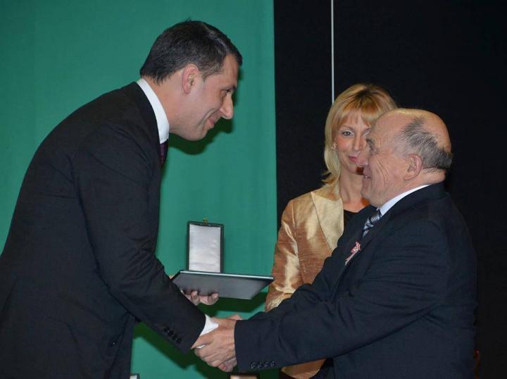 Kitüntetés dr. Virág Gábornak