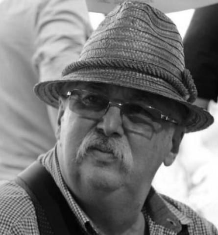 Elhunyt Huszár László