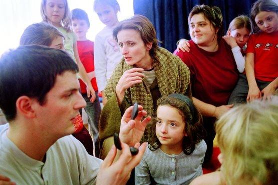 Vajdasági turnén a Fogságban című színházi nevelési program